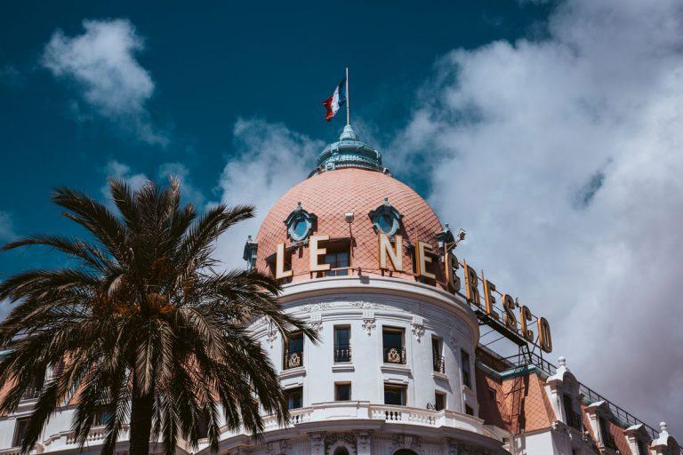 Necresco Hotel